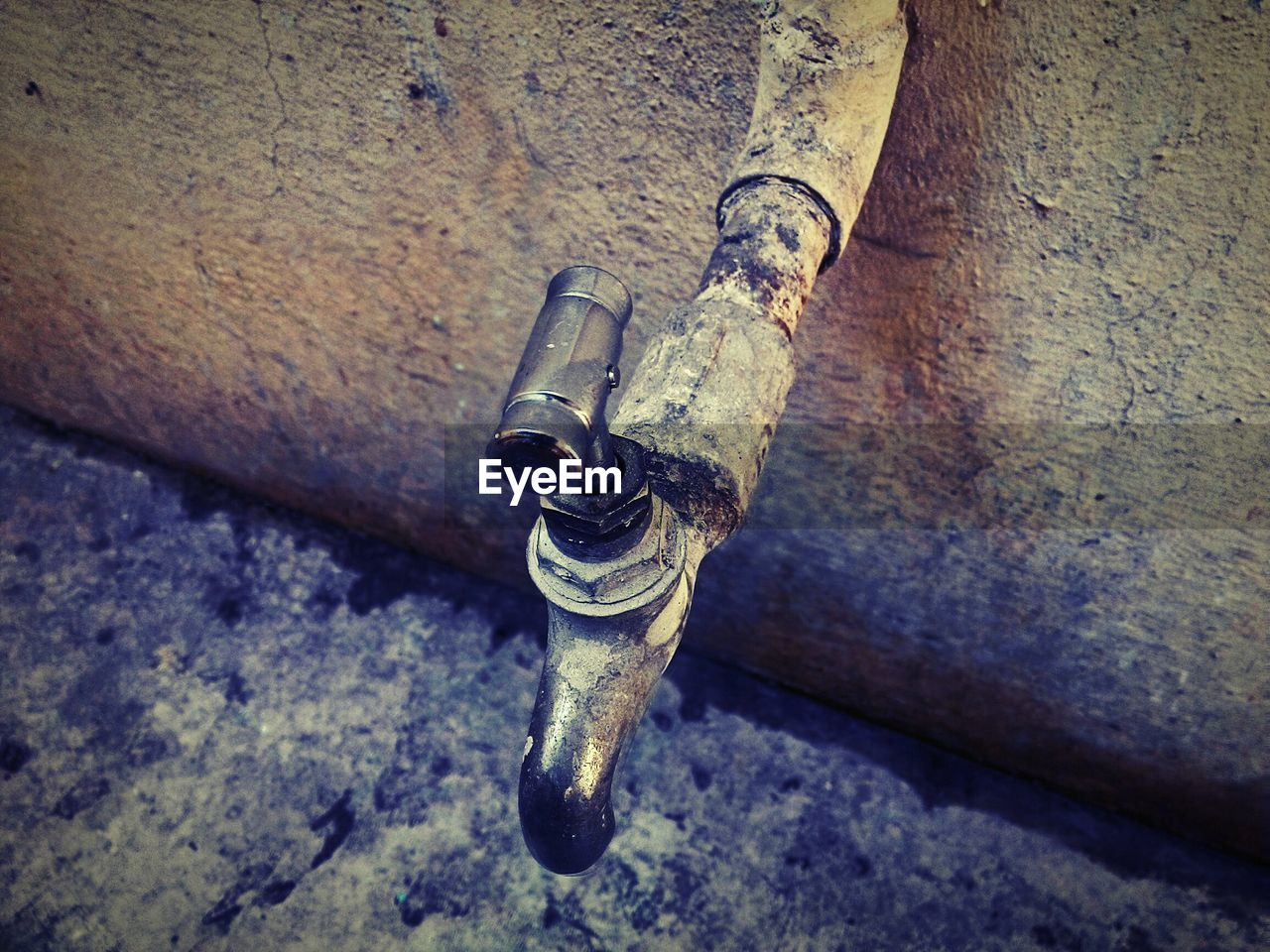 connection, no people, metal, pipe - tube, faucet, day, close-up, water pipe, tap, outdoors