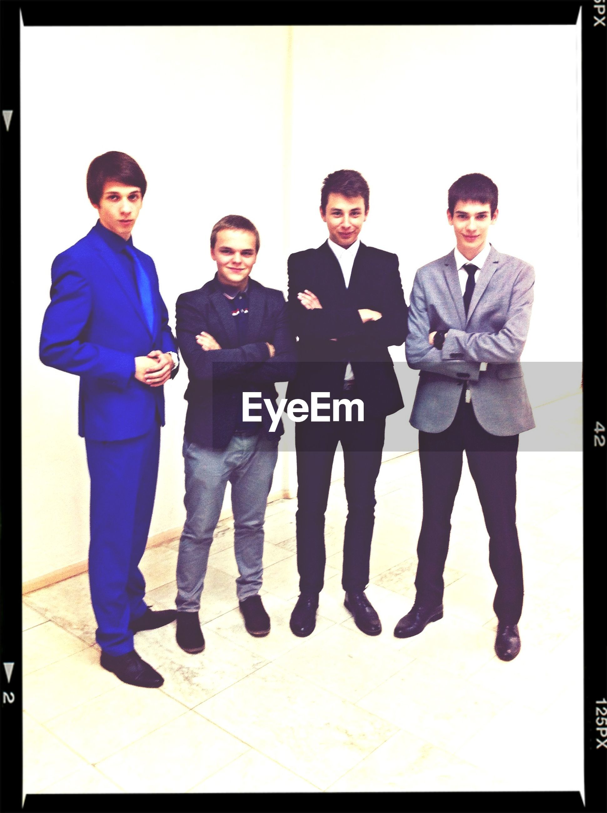 togetherness, lifestyles, bonding, portrait, looking at camera, leisure activity, person, front view, young men, casual clothing, young adult, smiling, love, happiness, friendship, standing, full length, transfer print