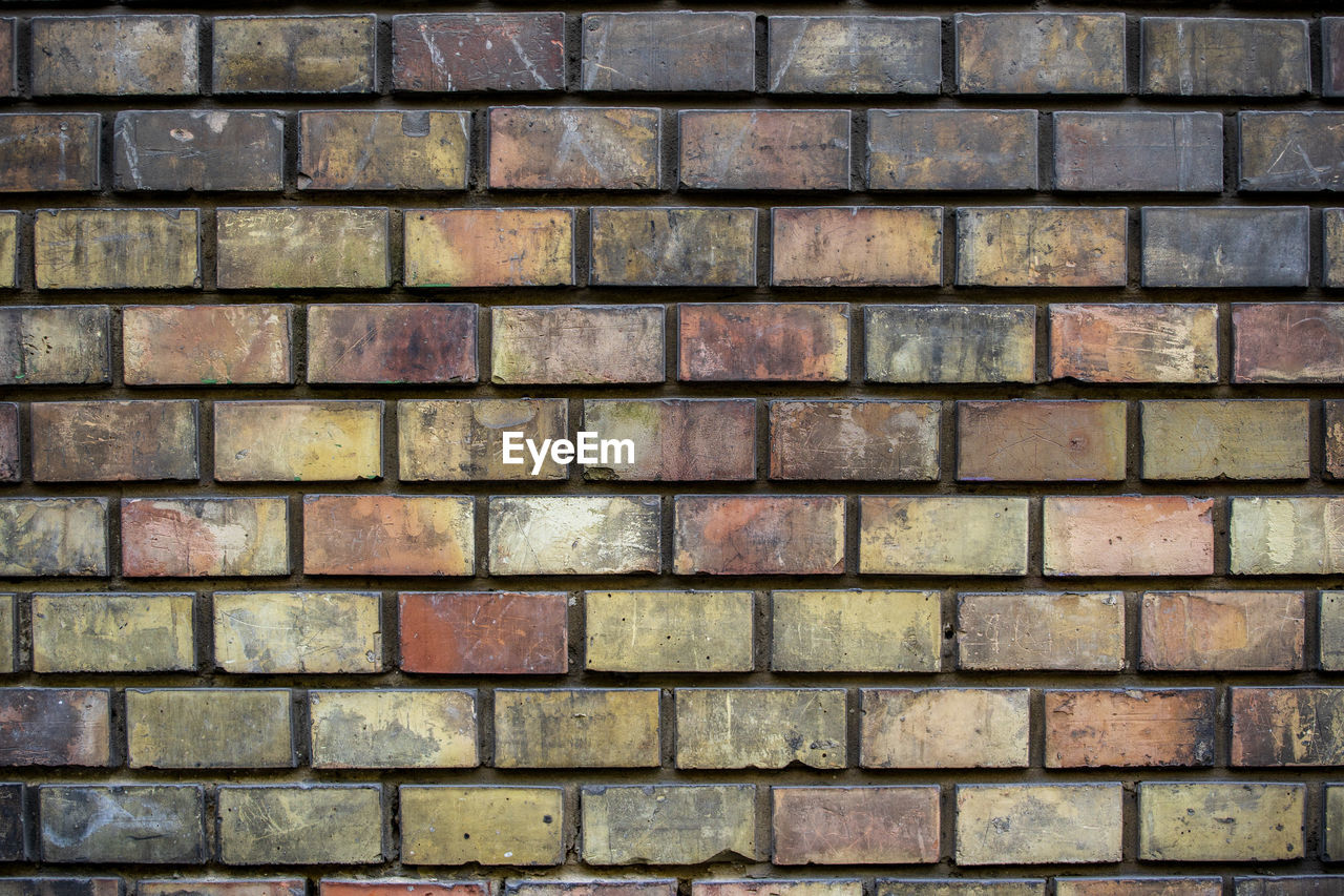 backgrounds, full frame, wall - building feature, wall, built structure, pattern, brick, architecture, no people, brick wall, textured, day, large group of objects, repetition, close-up, outdoors, shape, building exterior, in a row, design