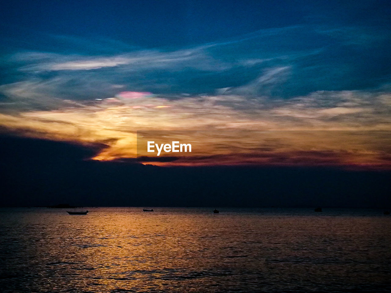 sky, cloud - sky, water, scenics - nature, sunset, tranquility, sea, tranquil scene, beauty in nature, waterfront, nature, horizon, orange color, no people, horizon over water, idyllic, dramatic sky, outdoors, non-urban scene