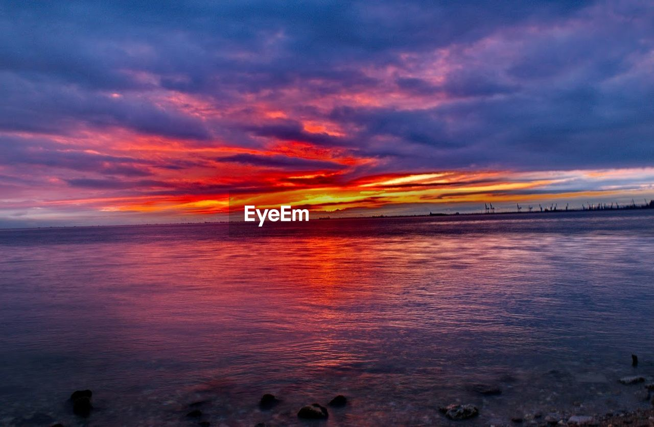 sunset, sea, cloud - sky, water, sky, scenics, nature, outdoors, beauty in nature, tranquil scene, horizon over water, beach, no people, day