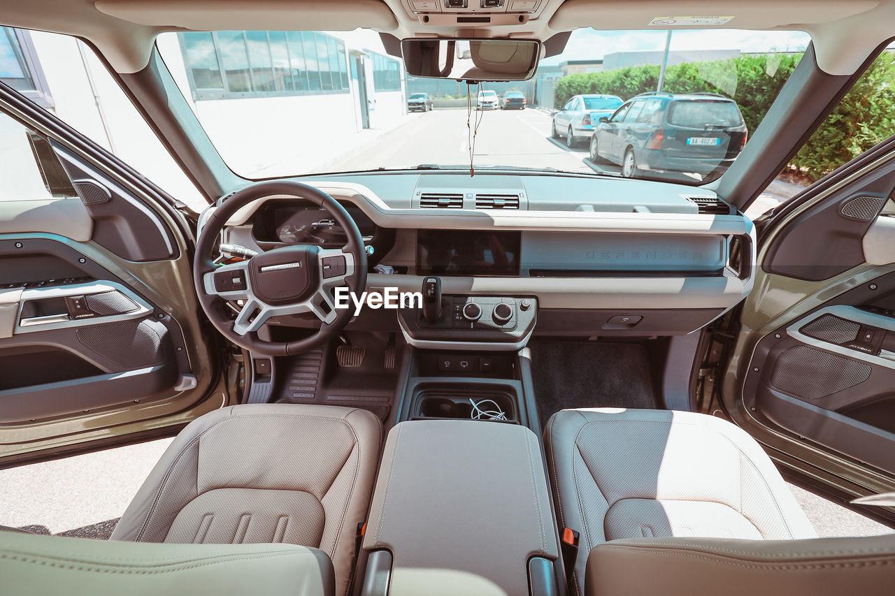 EMPTY SEATS IN CAR