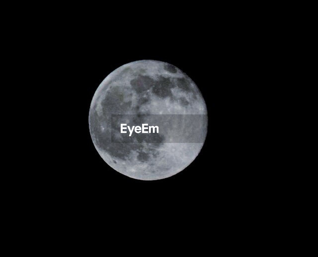 moon, night, astronomy, moon surface, full moon, no people, space exploration, nature, outdoors, beauty in nature, space, tranquility, scenics, close-up, sky, satellite view