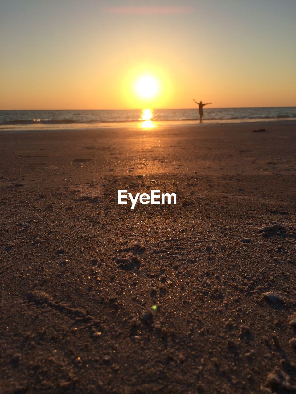 sunset, sea, sun, scenics, nature, beauty in nature, beach, horizon over water, water, tranquility, tranquil scene, sky, sunlight, sand, outdoors, no people, day