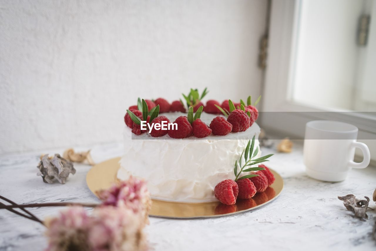 food and drink, food, freshness, table, fruit, still life, indoors, sweet food, berry fruit, indulgence, strawberry, healthy eating, no people, cake, sweet, close-up, baked, temptation, ready-to-eat, dessert