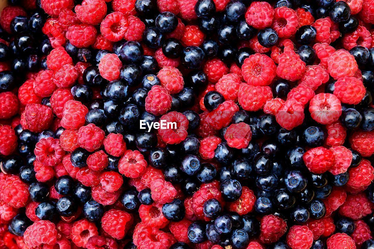 Full Frame Shot Of Blueberries And Raspberries