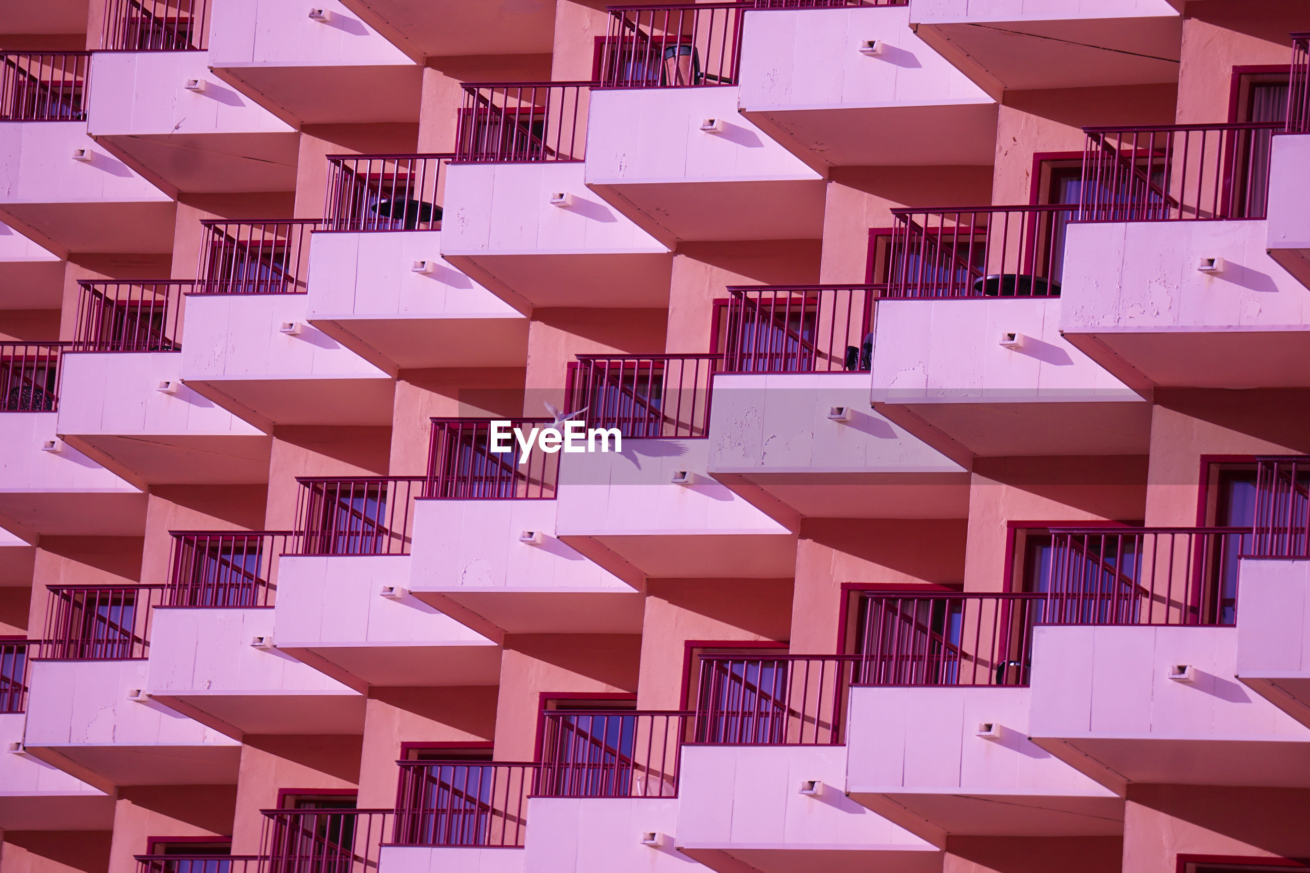 FULL FRAME SHOT OF BUILDINGS