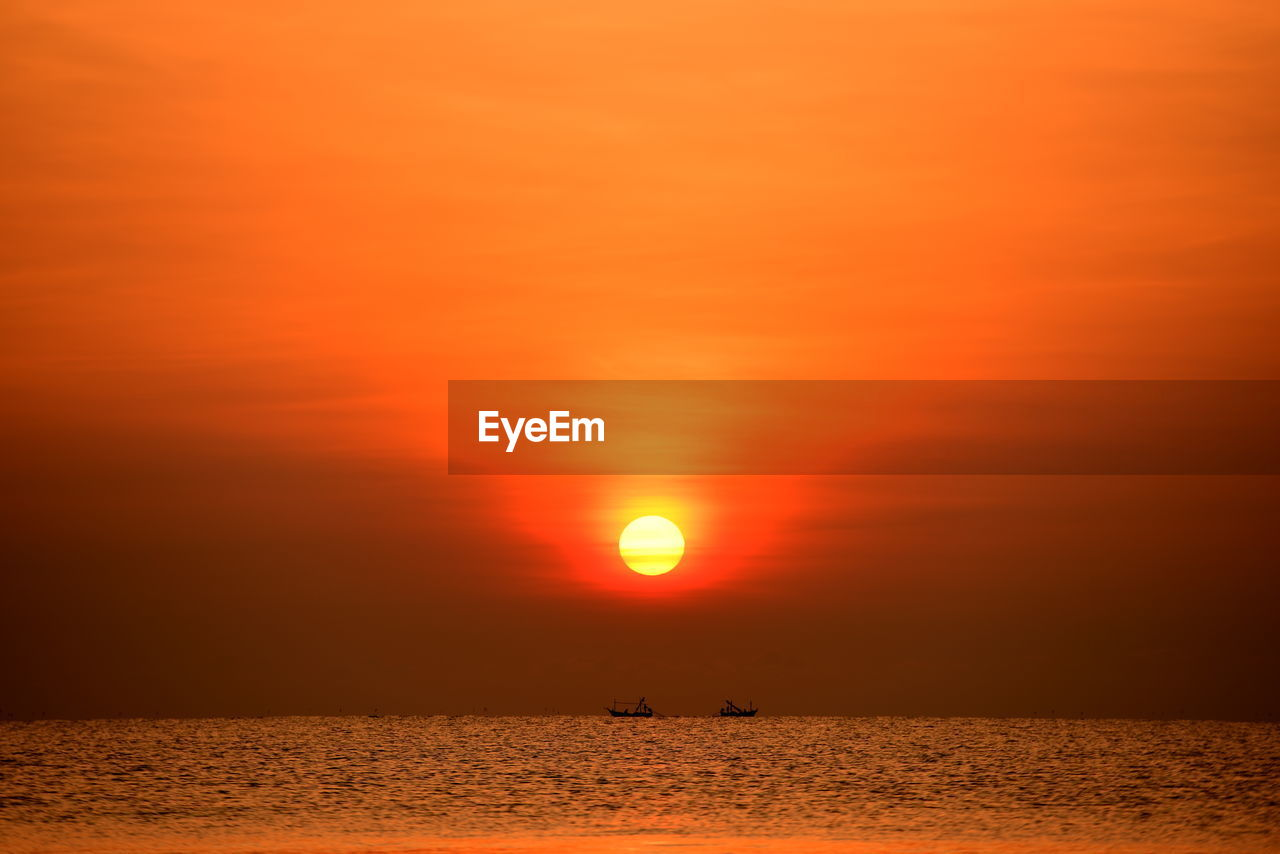 sunset, sky, beauty in nature, scenics - nature, water, sun, orange color, tranquil scene, sea, tranquility, idyllic, horizon over water, silhouette, waterfront, horizon, nature, cloud - sky, sunlight, no people, outdoors