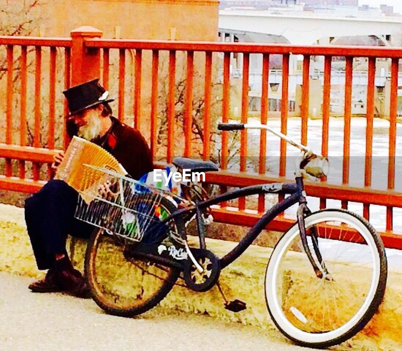 bicycle, transportation, real people, land vehicle, one person, full length, mode of transport, day, outdoors, stationary, young adult, people
