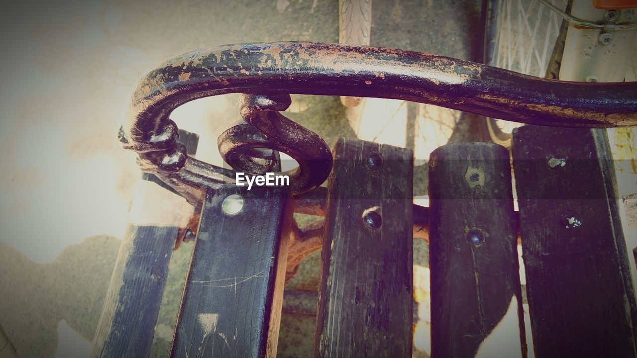 metal, rusty, no people, close-up, day, outdoors