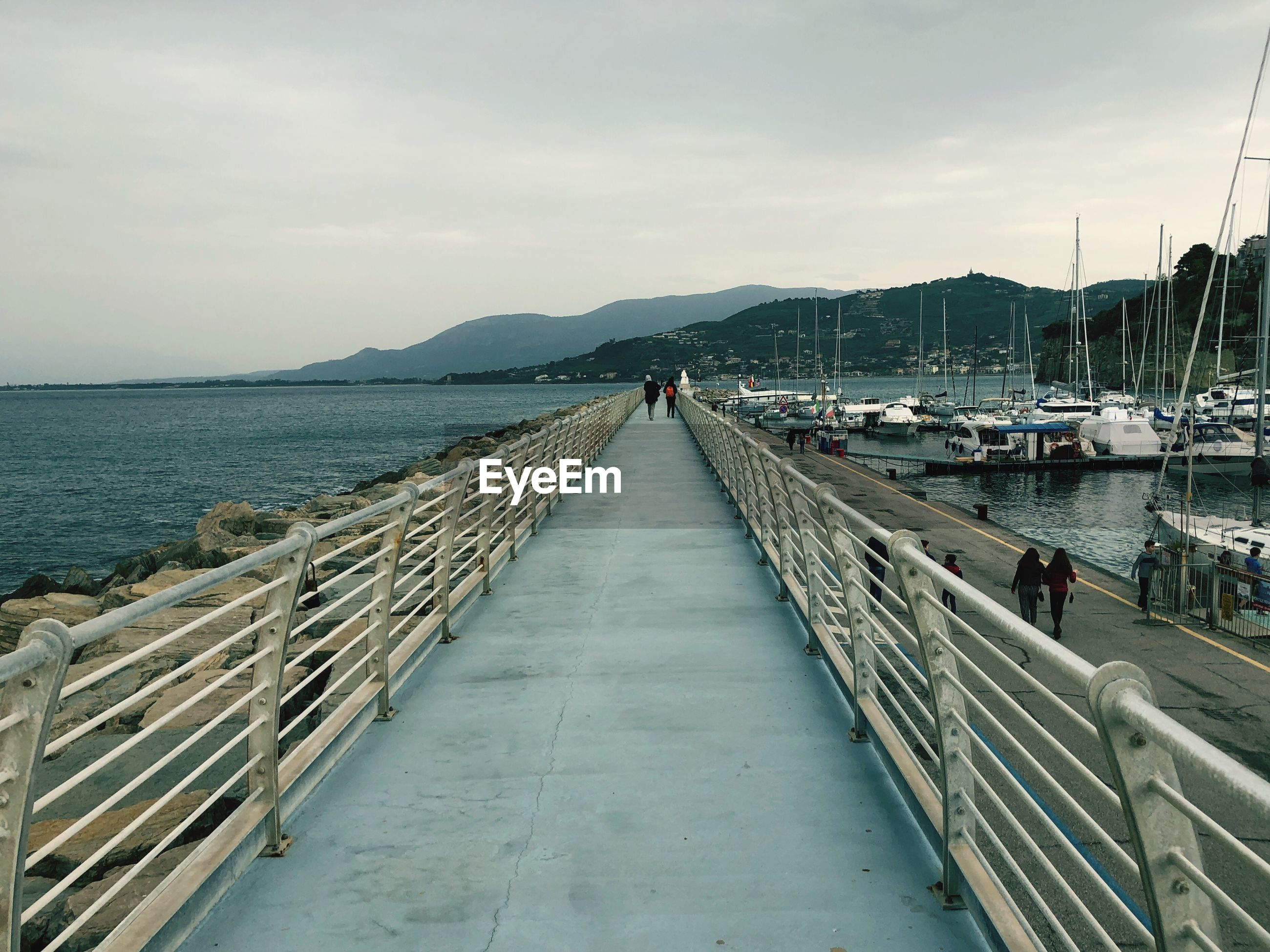 SCENIC VIEW OF SEA AND PIER AGAINST SKY