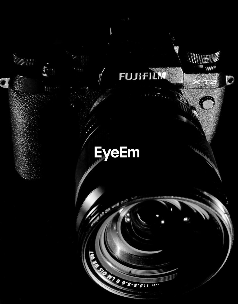 camera - photographic equipment, close-up, no people, technology, indoors, photography themes, digital single-lens reflex camera, film industry, day