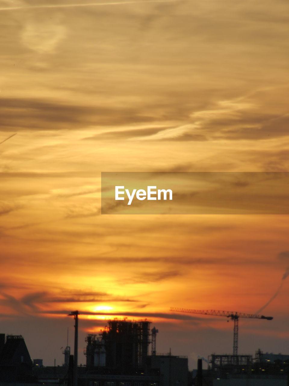 sunset, orange color, sky, cloud - sky, building exterior, architecture, built structure, silhouette, city, no people, cityscape, beauty in nature, nature, outdoors, scenics, travel destinations, modern, urban skyline
