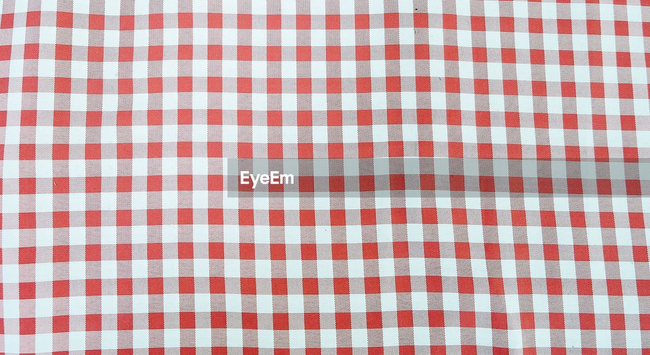 checked pattern, textile, plaid, pattern, tablecloth, cotton, striped, backgrounds, square shape, textured, retro styled, full frame, linen, textured effect, no people, old-fashioned, christmas, christmas decoration, picnic