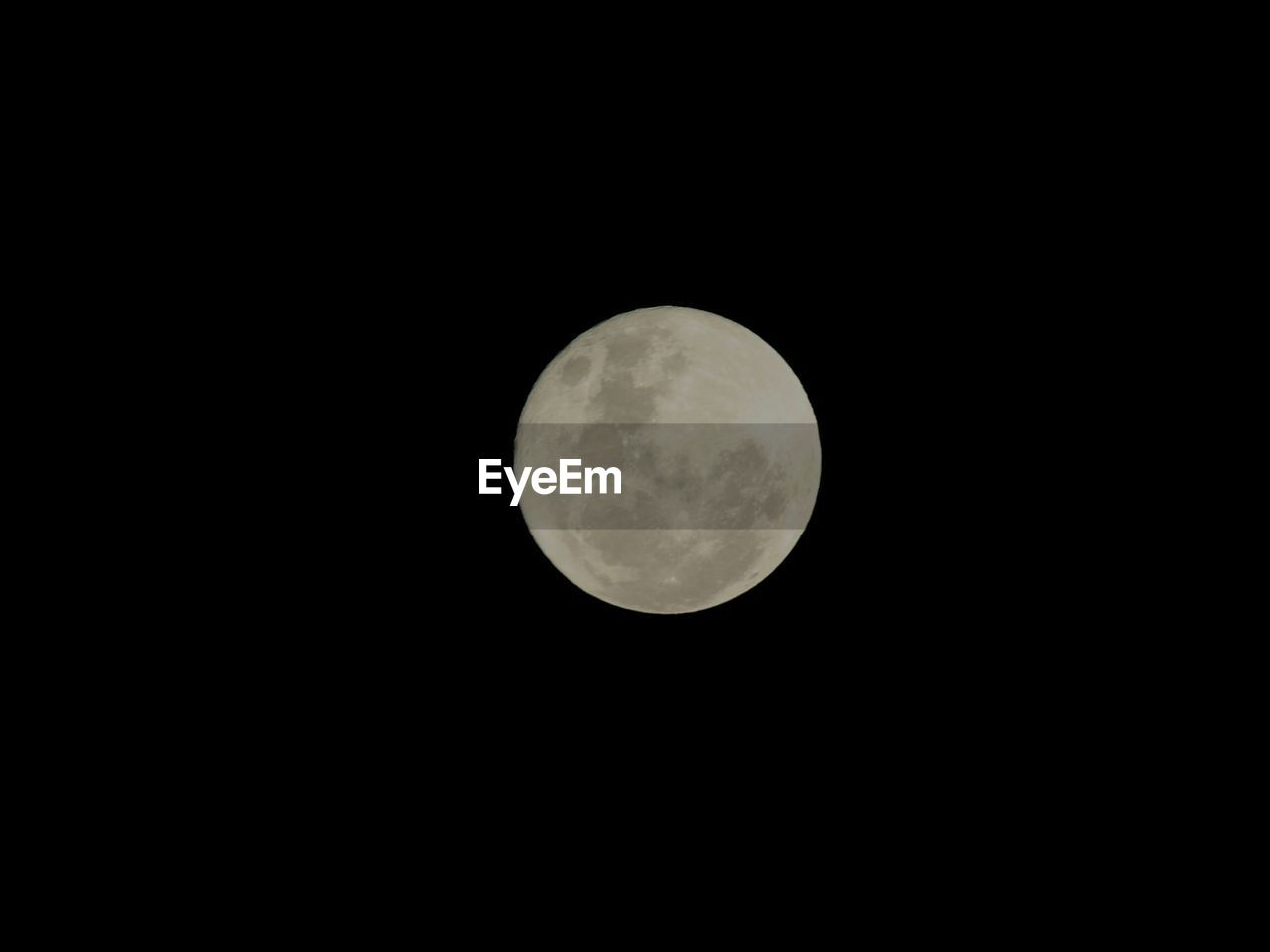 moon, astronomy, moon surface, night, beauty in nature, nature, circle, planetary moon, copy space, scenics, low angle view, no people, tranquility, tranquil scene, space exploration, outdoors, space, clear sky, sky