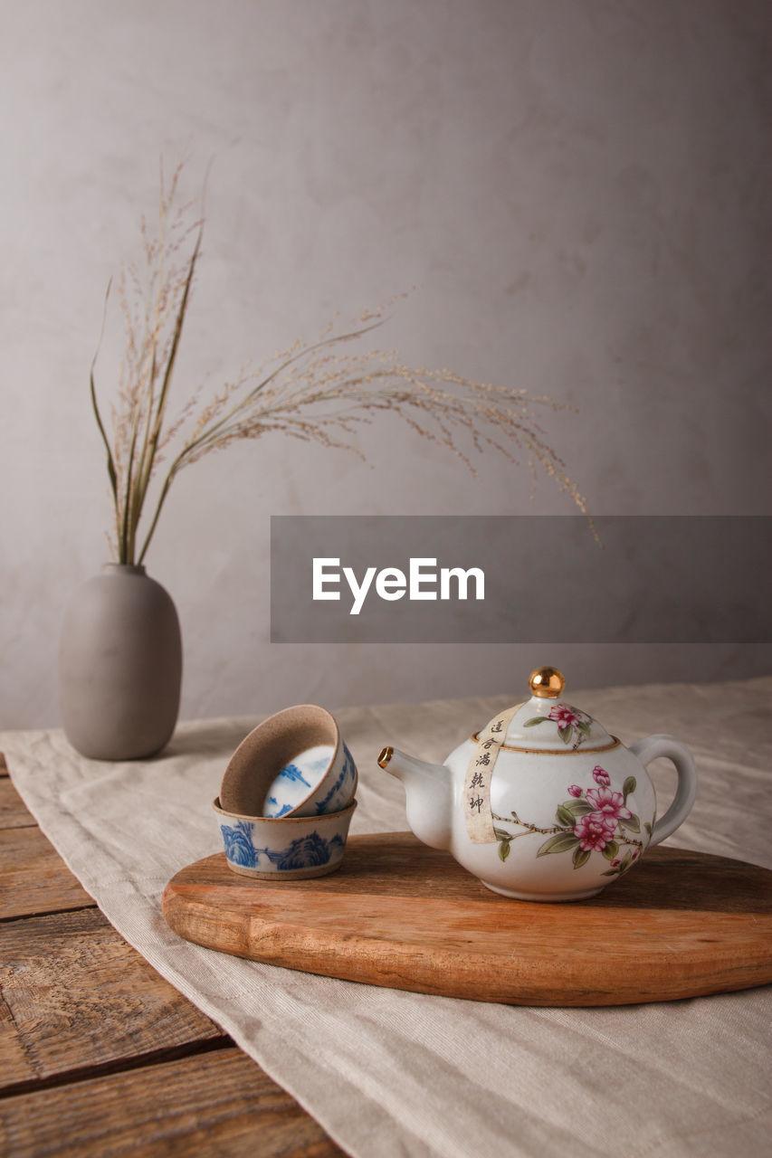 TEA LIGHT ON TABLE AT HOME