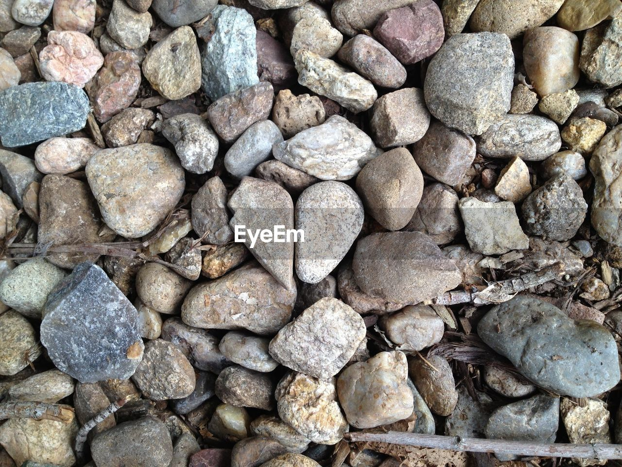 pebble, stone - object, full frame, backgrounds, rock - object, large group of objects, pebble beach, textured, nature, no people, close-up, outdoors, day