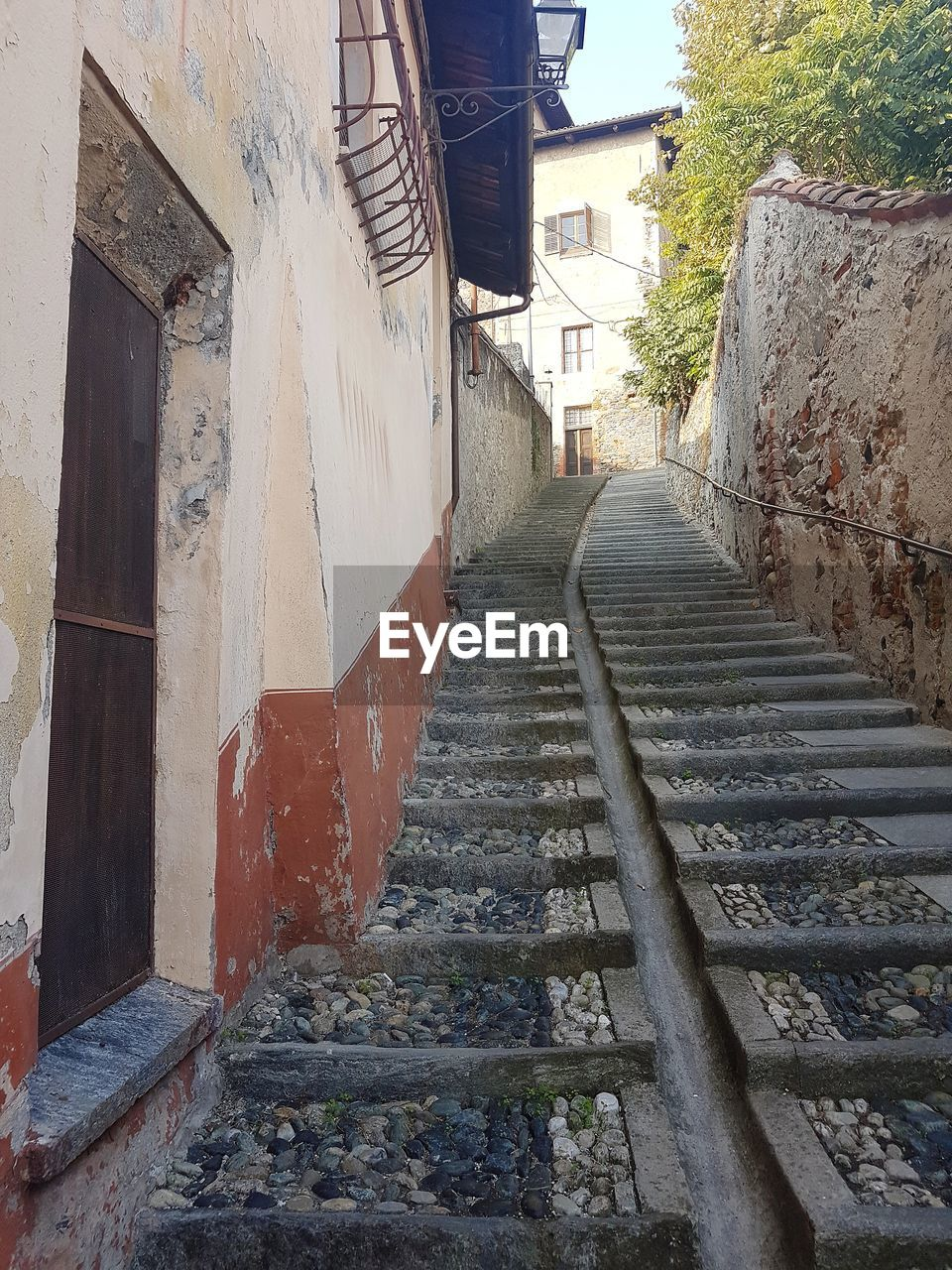 built structure, architecture, building exterior, steps, the way forward, no people, day, steps and staircases, outdoors, staircase, retaining wall, sky