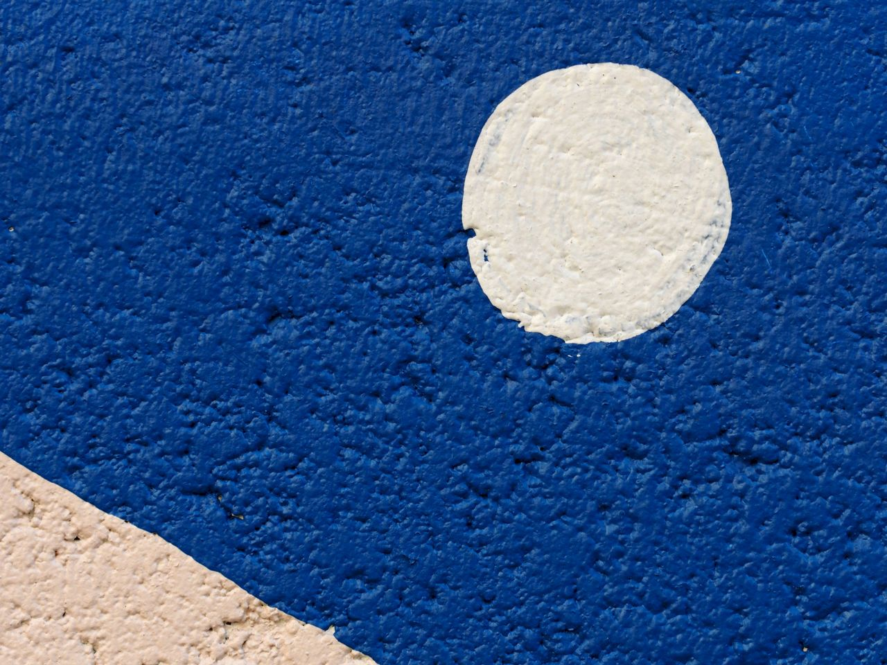 blue, textured, no people, white color, wall - building feature, close-up, built structure, day, architecture, outdoors, circle, backgrounds, shape, geometric shape, nature, pattern, wall, stone, rough, copy space, concrete, textured effect