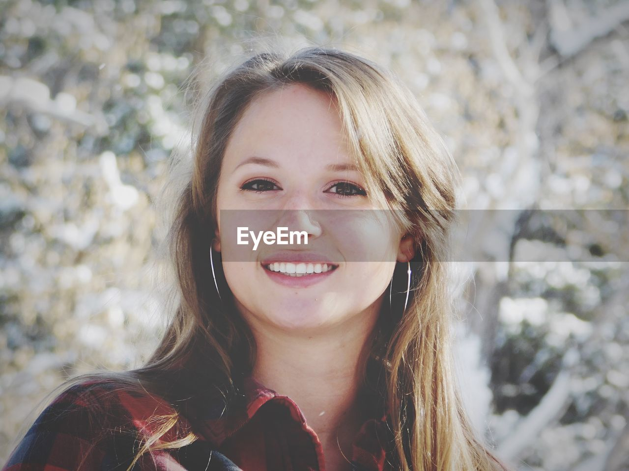 headshot, portrait, one person, happiness, smiling, real people, front view, women, lifestyles, leisure activity, looking at camera, focus on foreground, emotion, young women, hair, females, day, long hair, hairstyle, beautiful woman, pre-adolescent child, teenager, human face