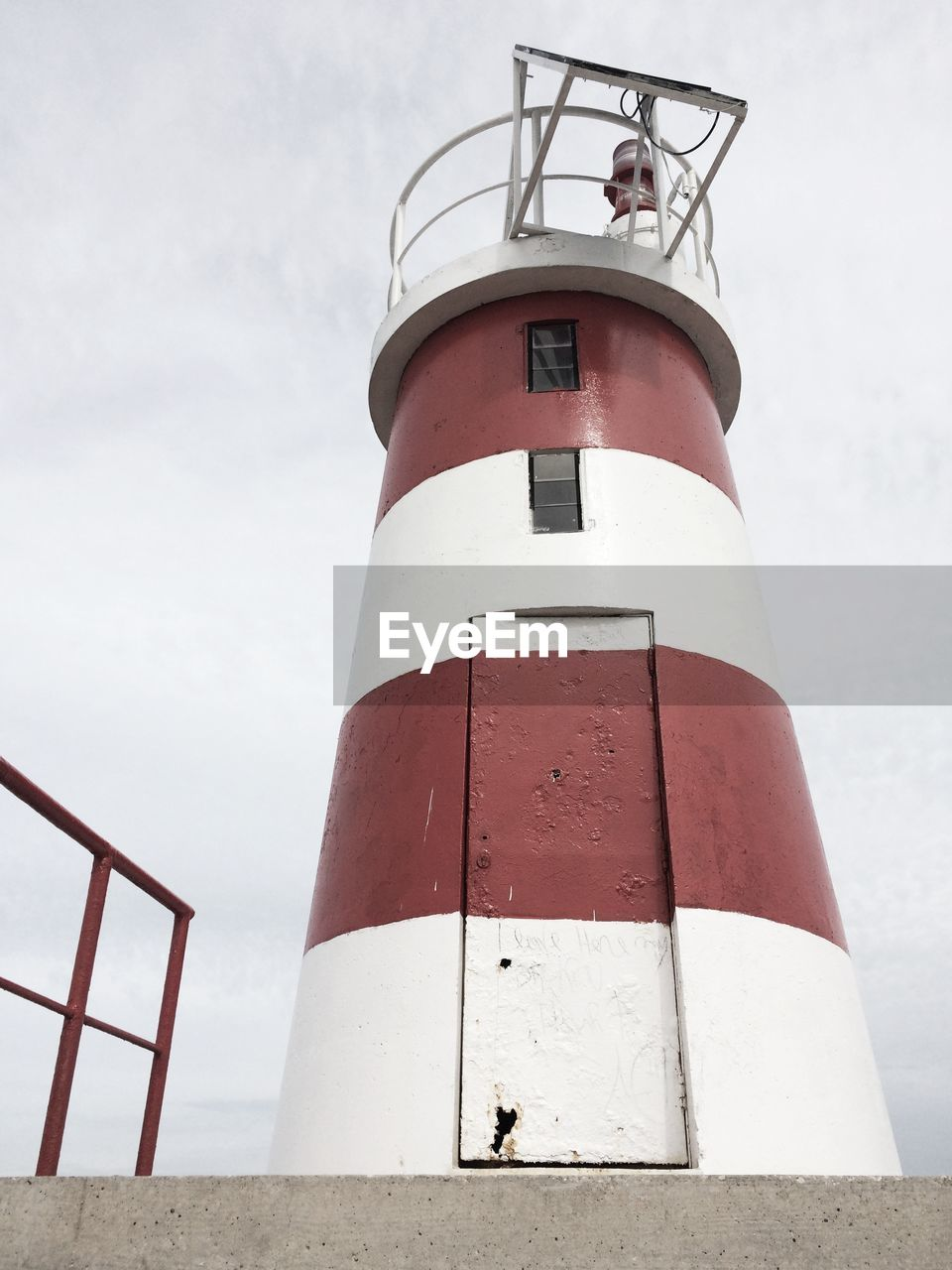 LOW ANGLE VIEW OF LIGHTHOUSE AGAINST THE SKY