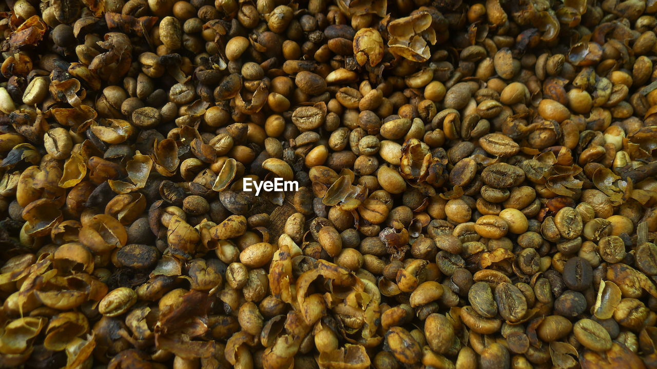 Full Frame Shot Of Unroasted Coffee Beans
