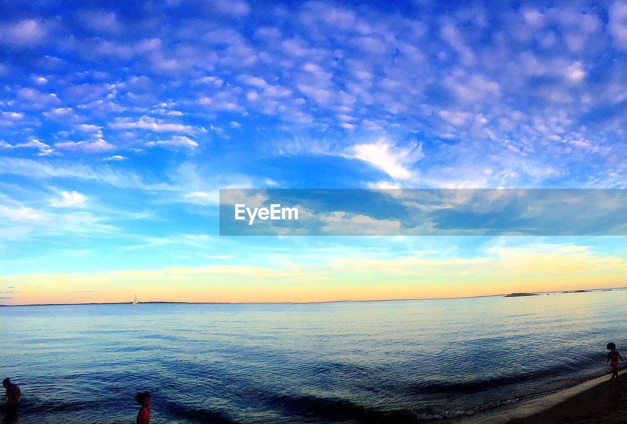 sea, scenics, sky, beauty in nature, horizon over water, tranquil scene, water, tranquility, cloud - sky, nature, blue, outdoors, no people, day, sunset