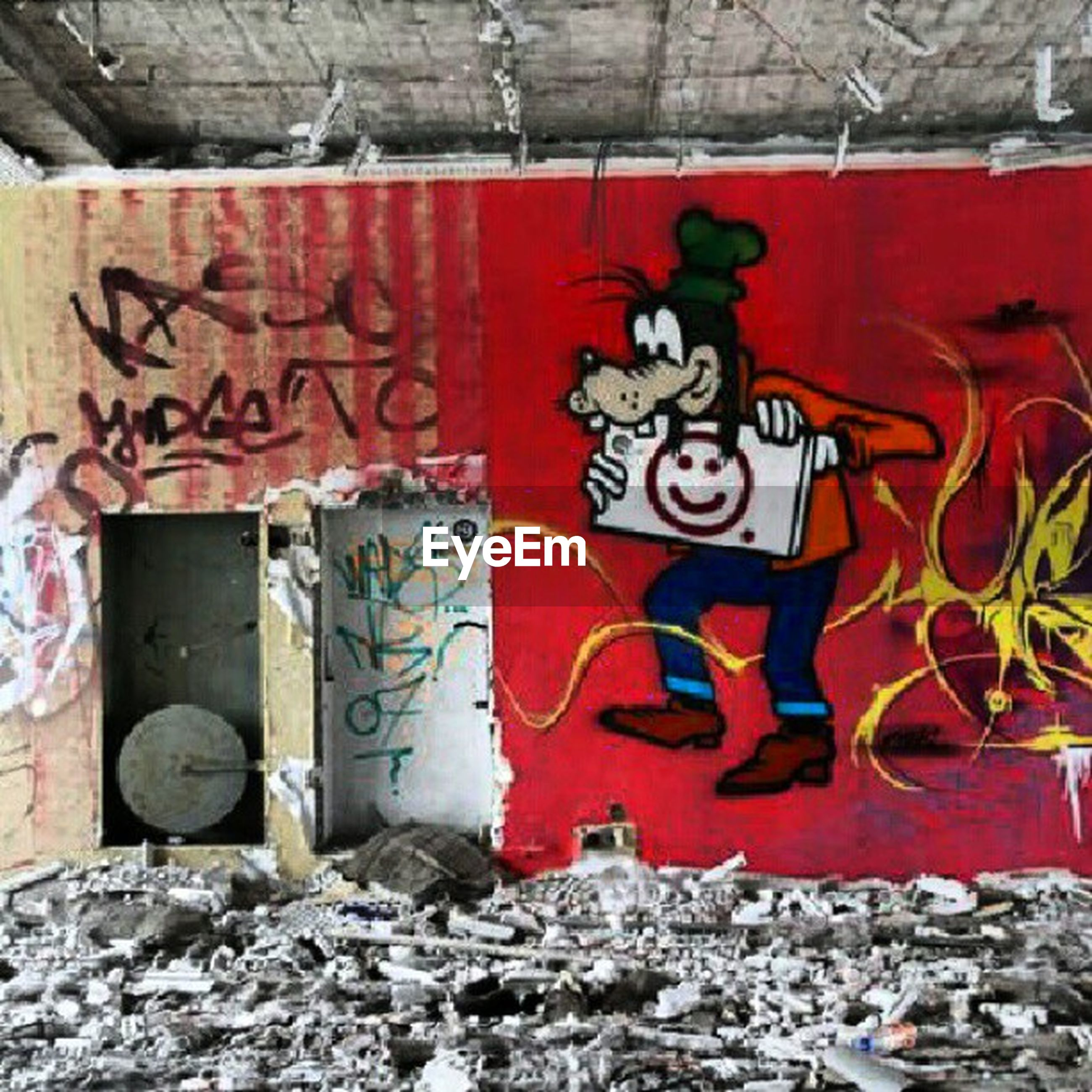graffiti, wall - building feature, abandoned, built structure, weathered, architecture, old, deterioration, run-down, damaged, obsolete, red, wall, art and craft, building exterior, bad condition, art, creativity, brick wall, rusty