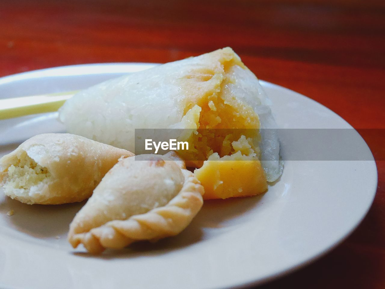 ready-to-eat, food and drink, food, plate, freshness, serving size, still life, indoors, close-up, table, indulgence, no people, unhealthy eating, sweet food, fried, meal, yellow, selective focus, white color, wellbeing, temptation, snack, chinese food