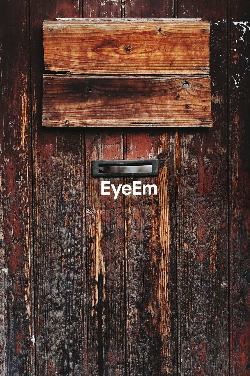 door, wood - material, closed, no people, safety, protection, close-up, day, latch, full frame, outdoors