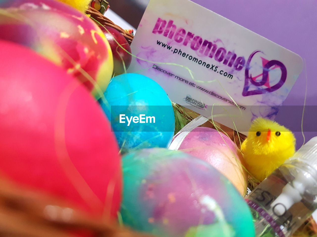 easter, celebration, easter egg, selective focus, balloon, multi colored, indoors, close-up, no people, day