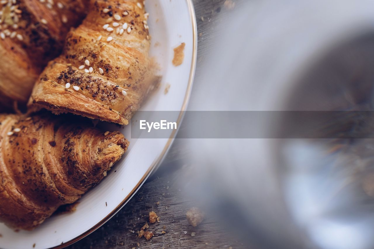 food and drink, food, plate, baked, indoors, freshness, close-up, selective focus, sweet food, still life, no people, table, dessert, sweet, indulgence, temptation, ready-to-eat, high angle view, directly above, serving size, snack