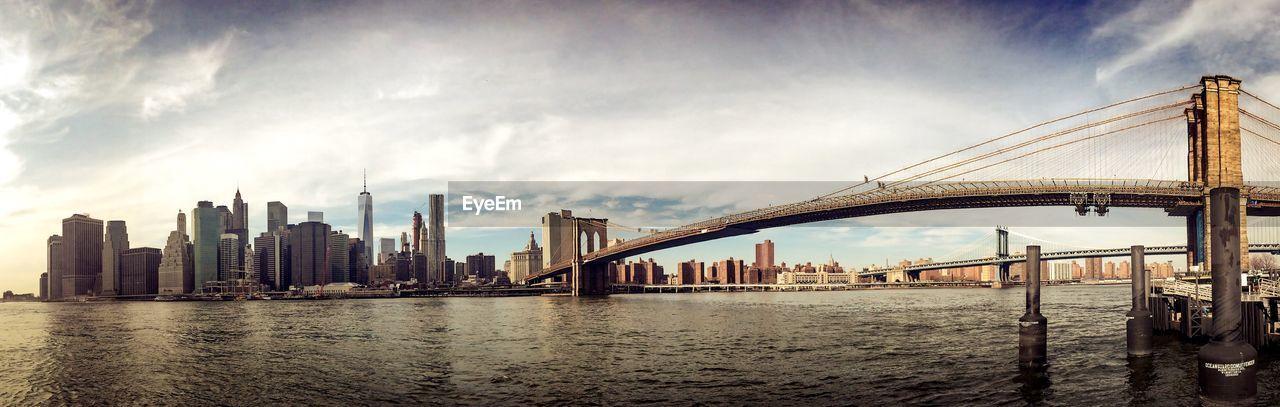 Brooklyn Bridge And Manhattan Skyline