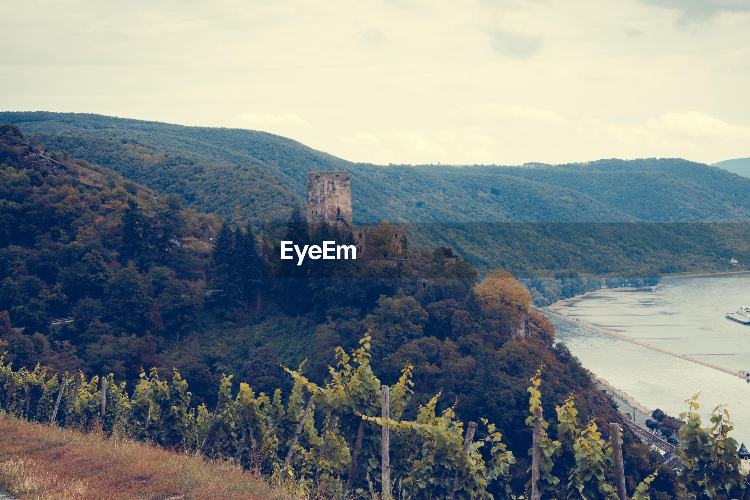 Pfalzgrafenstein castle on mountain by river at kaub