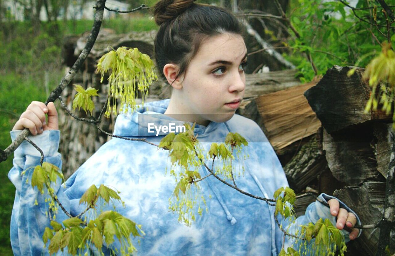 young adult, one person, casual clothing, day, outdoors, nature, tree, young women, people