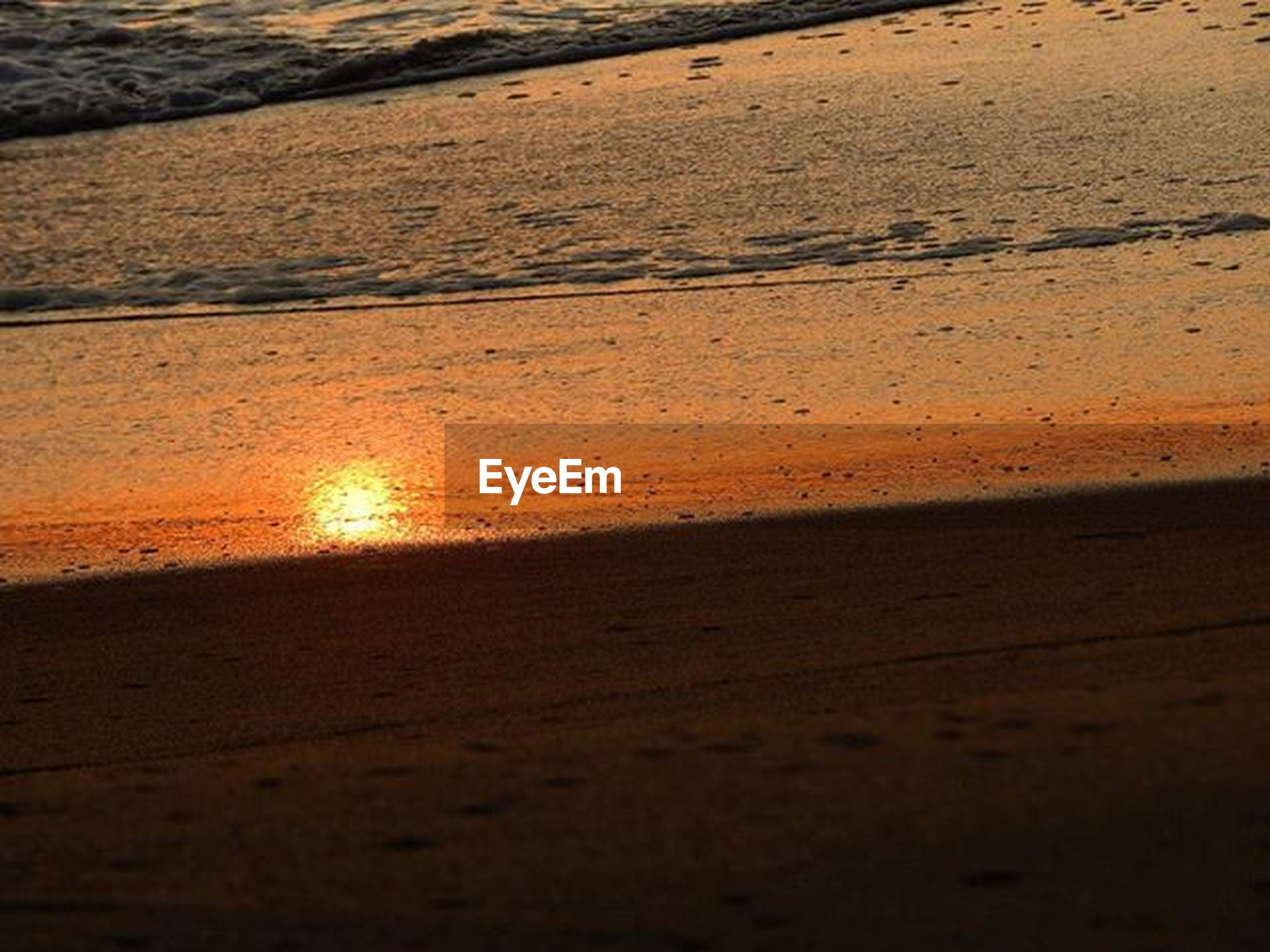 beach, sunset, sea, water, sand, shore, tranquility, tranquil scene, scenics, beauty in nature, sun, horizon over water, nature, sunlight, idyllic, reflection, orange color, coastline, sky, wave