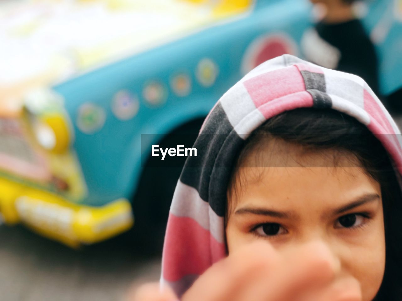 childhood, one person, leisure activity, child, real people, headshot, portrait, lifestyles, selective focus, day, innocence, front view, close-up, sport, fun, men, focus on foreground