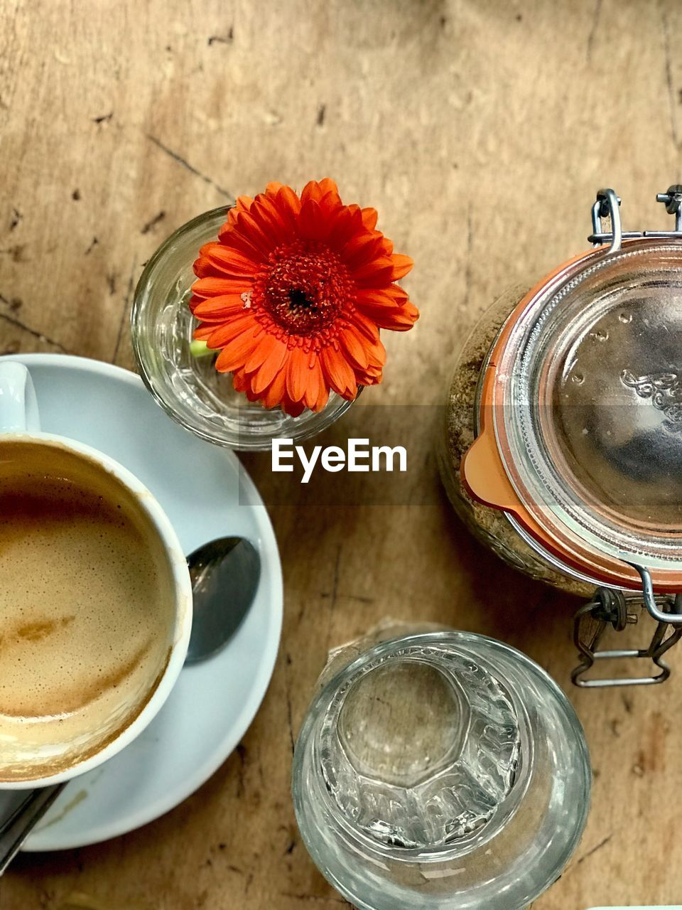 drink, table, refreshment, food and drink, freshness, drinking glass, high angle view, flower, coffee - drink, coffee cup, directly above, no people, indoors, jar, vase, tea - hot drink, healthy eating, close-up, day, frothy drink, food, flower head