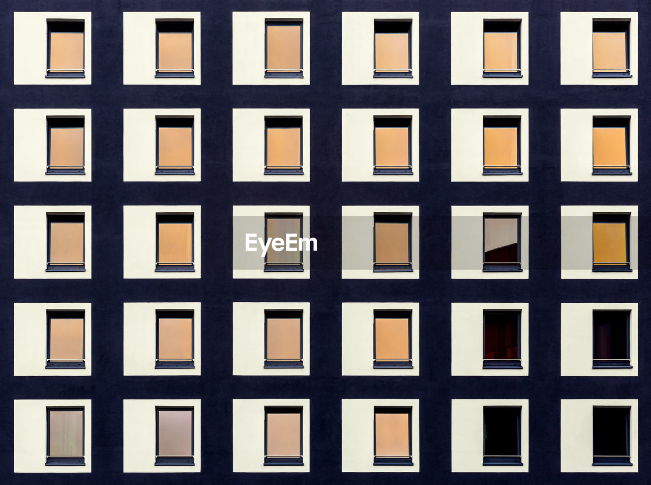 full frame, window, repetition, backgrounds, pattern, no people, architecture, built structure, building exterior, indoors, day, close-up