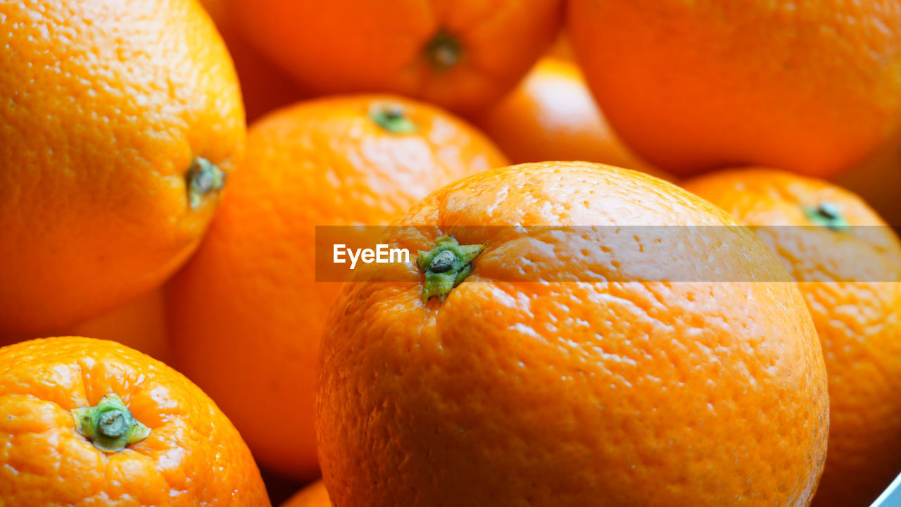 food, healthy eating, food and drink, orange color, fruit, wellbeing, citrus fruit, freshness, orange, orange - fruit, close-up, still life, no people, focus on foreground, backgrounds, full frame, group of objects, indoors, medium group of objects, ripe