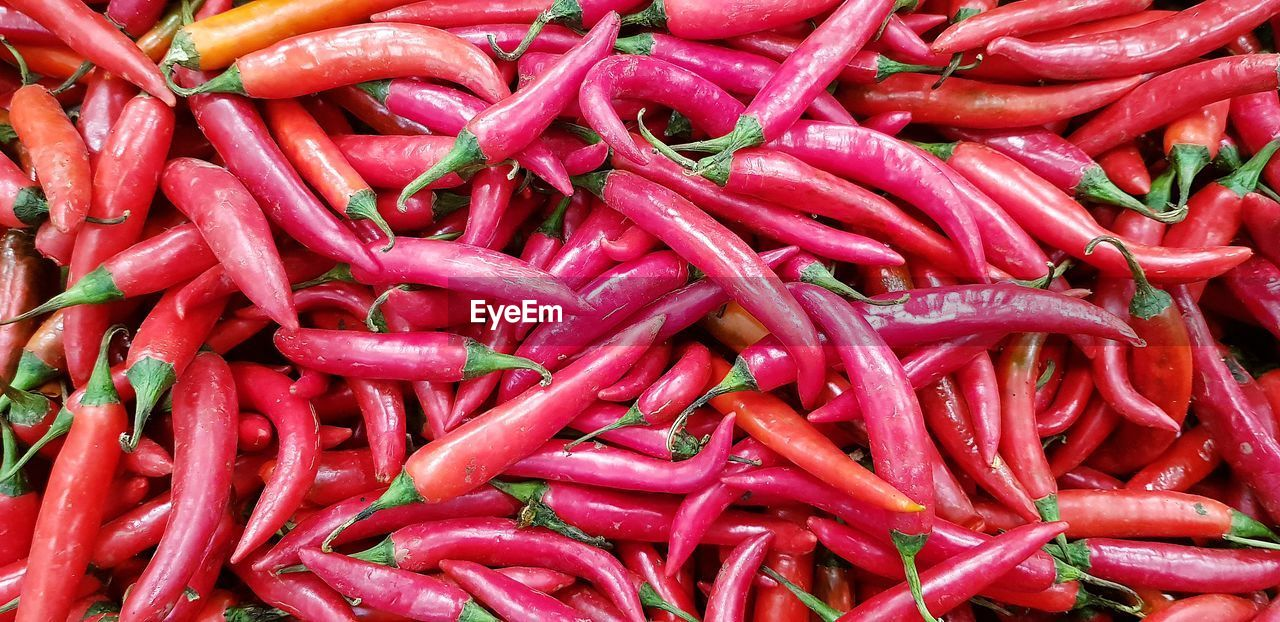 vegetable, red, food and drink, food, pepper, spice, large group of objects, chili pepper, freshness, abundance, backgrounds, still life, no people, full frame, market, red chili pepper, healthy eating, close-up, for sale, wellbeing