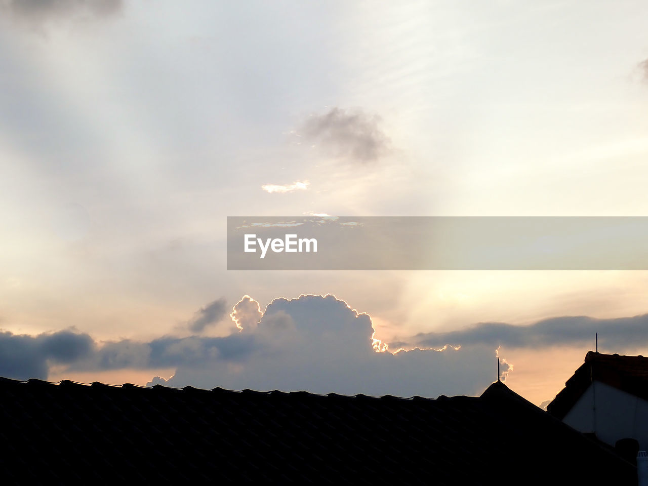 sky, cloud - sky, architecture, sunset, roof, built structure, building, building exterior, house, nature, silhouette, roof tile, no people, residential district, outdoors, high section, beauty in nature, scenics - nature, dusk, sunlight