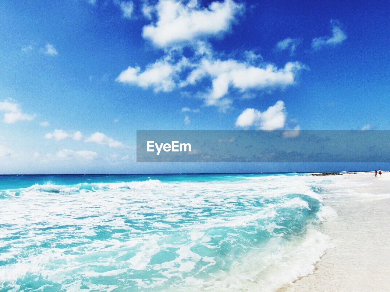 sea, beauty in nature, beach, horizon over water, wave, water, scenics, sky, nature, tranquility, no people, outdoors, day, blue