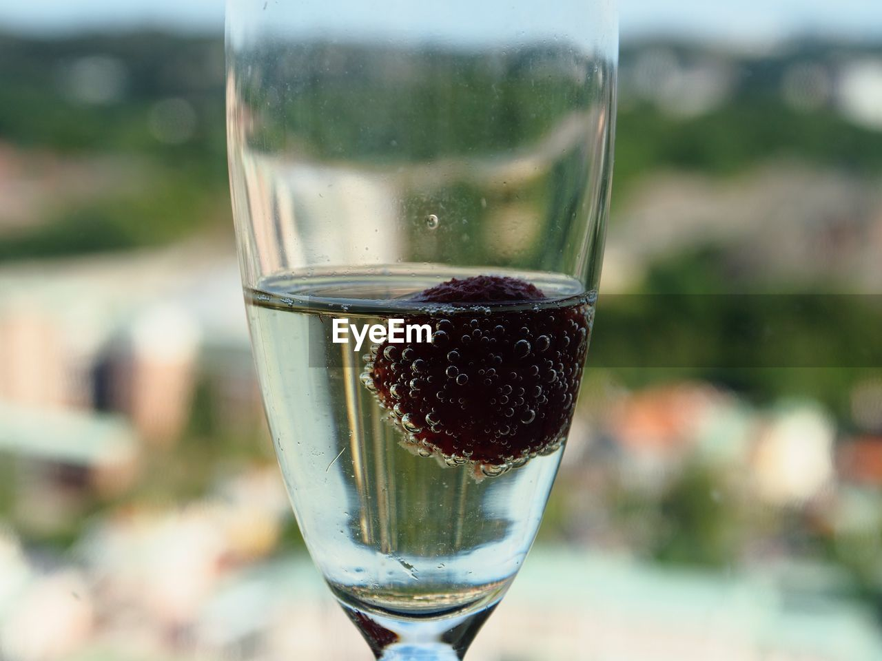 food and drink, refreshment, glass, drink, focus on foreground, close-up, wine, glass - material, transparent, alcohol, household equipment, wineglass, drinking glass, freshness, day, no people, food, still life, champagne flute, outdoors, aperitif