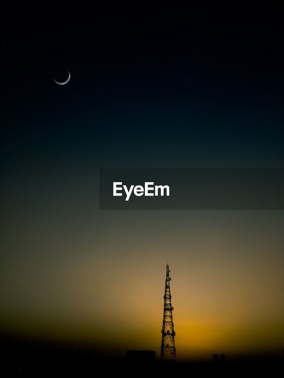 sky, silhouette, sunset, no people, scenics - nature, beauty in nature, nature, moon, copy space, architecture, tower, night, built structure, tranquility, outdoors, tranquil scene, clear sky, tall - high, dusk, global communications, spire, power supply