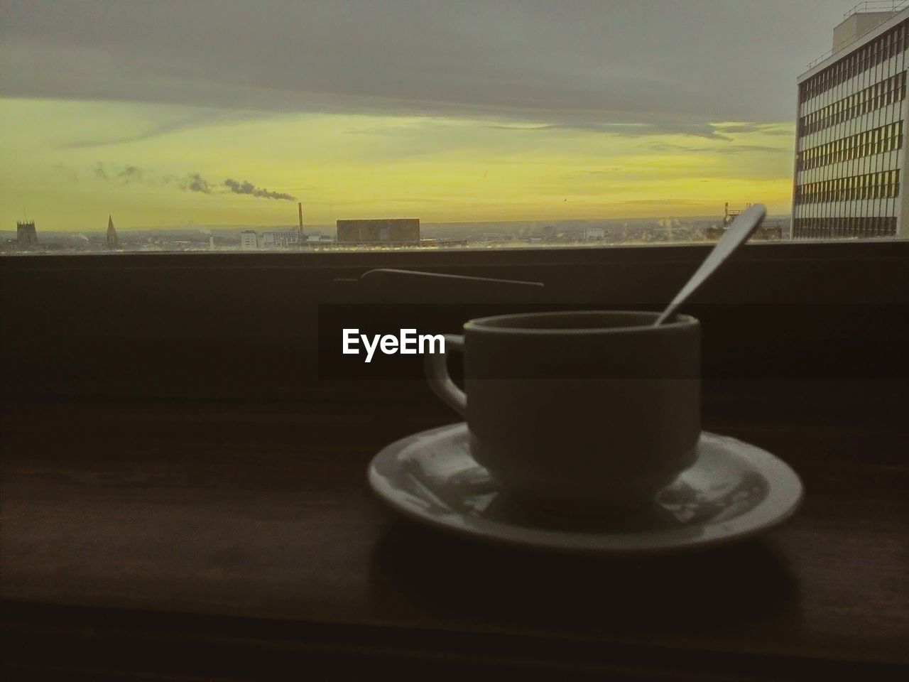 drink, refreshment, cup, coffee cup, table, no people, food and drink, close-up, freshness, indoors, sky, day