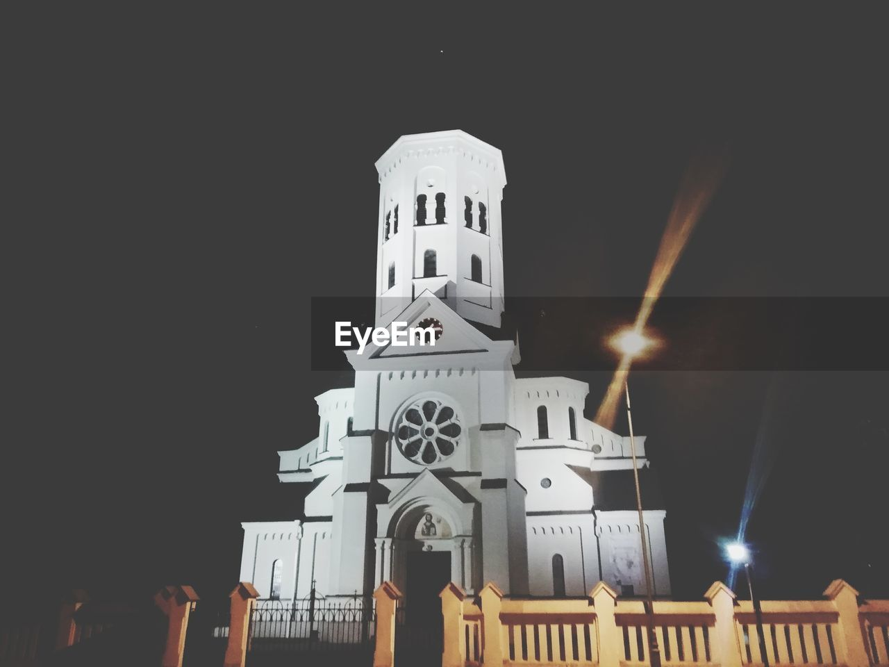 place of worship, architecture, building exterior, religion, built structure, building, belief, spirituality, sky, night, illuminated, low angle view, nature, copy space, tower, no people
