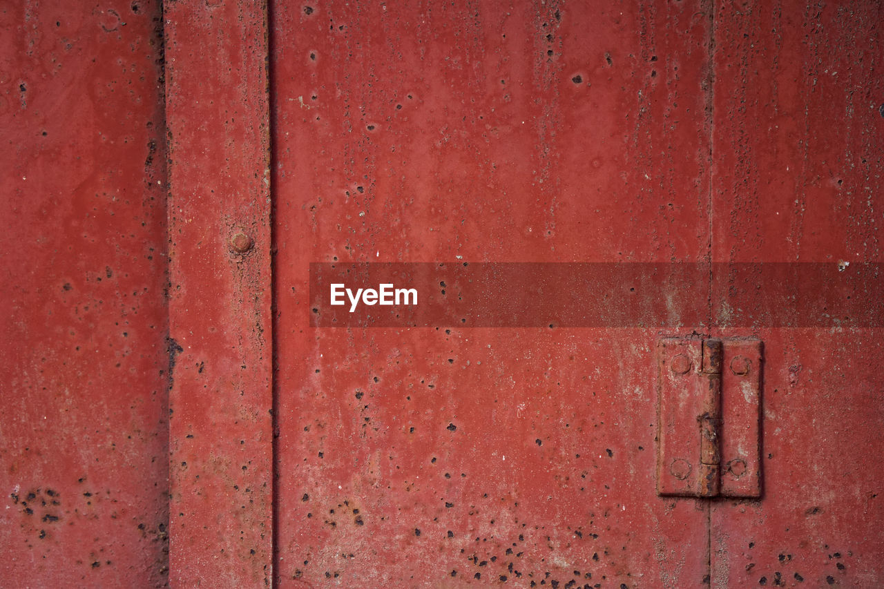 backgrounds, red, door, textured, rusty, full frame, metal, weathered, pattern, lock, wood - material, no people, close-up, day, outdoors, latch, hinge