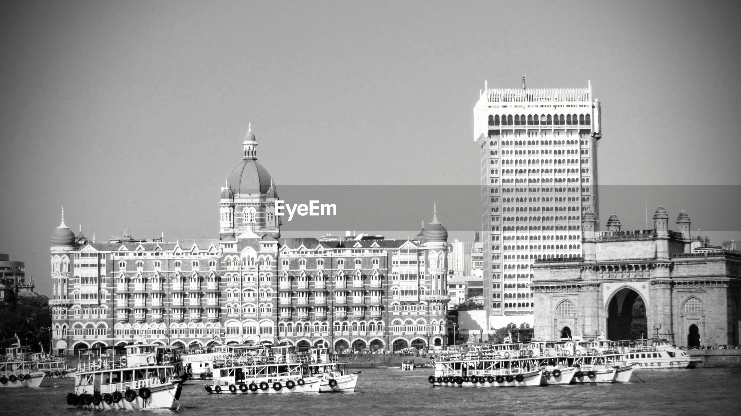 BUILDINGS WITH WATERFRONT