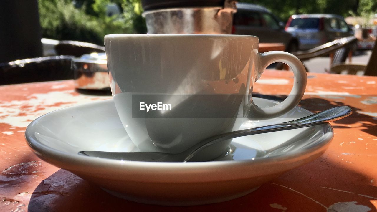 drink, cup, food and drink, mug, refreshment, coffee cup, table, close-up, saucer, coffee, coffee - drink, still life, crockery, focus on foreground, no people, freshness, food, kitchen utensil, white color, tea, tea cup, non-alcoholic beverage